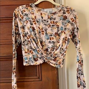 Women's size small long sleeved crop top